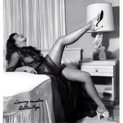 Bettie Page Photo 23