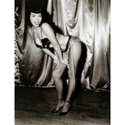 Bettie Page Photo 24